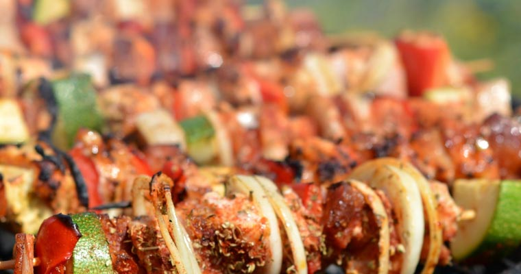 Plancha ou barbecue, quel appareil de cuisson choisir ?